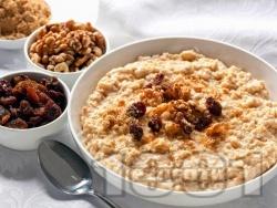 Овесена каша за закуска с ядково мляко, банан, чиа и ленено семе - снимка на рецептата
